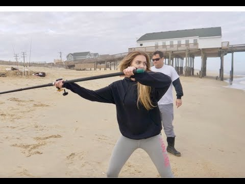 HOW TO CAST CONVENTIONAL REEL EASY And DISTANCE! Beach And Pier Fishing CAST 101