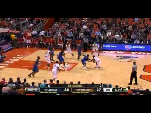 Layup for the Syracuse Orange against the Florida Gators