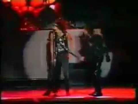 Walk this way - Bon Jovi ft. Steven Tyler and Joe Perry