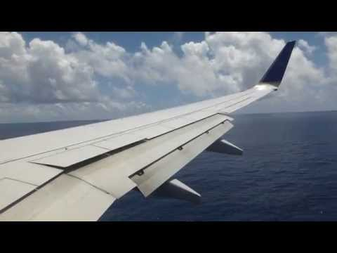 Highspeed landing at Kwajalein in a United B737