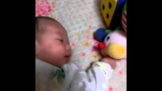 헝겁인형놀기, 애벌레인형과 놀기, 4개월 아기 놀아주기