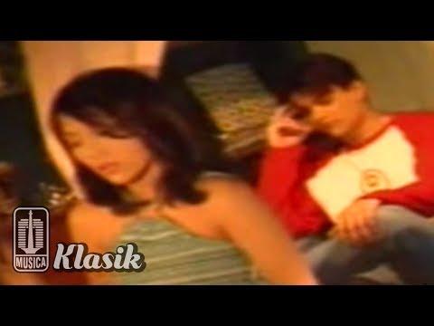 Nadila - Jangan Tinggalkan Aku (Karaoke Video)