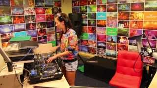 Lady Waks In Da Mix #333 (02-06-2015)