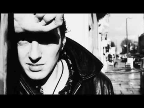 The Clash - I'm so bored with the U.S.A. (lyrics)