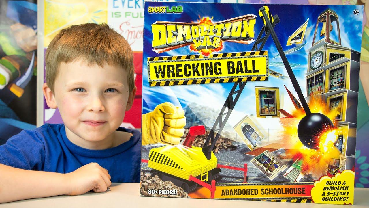 demolition lab wrecking ball by smartlab kid toys kinder playtime youtube. Black Bedroom Furniture Sets. Home Design Ideas
