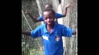 asem oo school kids walking on the kakum forest bridge you noe fit laugh