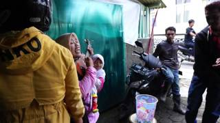 """Video Ibu Sri - SAMBALADO (Ayu Ting-ting) di Cikajang """"Warung Paspud"""" download MP3, 3GP, MP4, WEBM, AVI, FLV November 2018"""