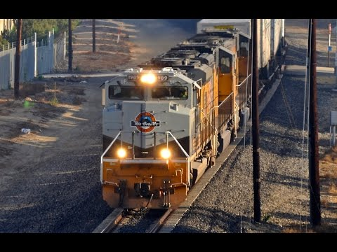 Trains in Southern California - YouTube