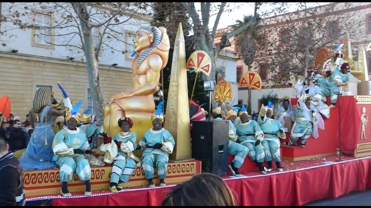 Carrozas De Reyes Magos Fotos.Cabalgata Reyes Magos Cadiz 2017 Las Carrozas Salieron De Parque Genoves 05 01 17