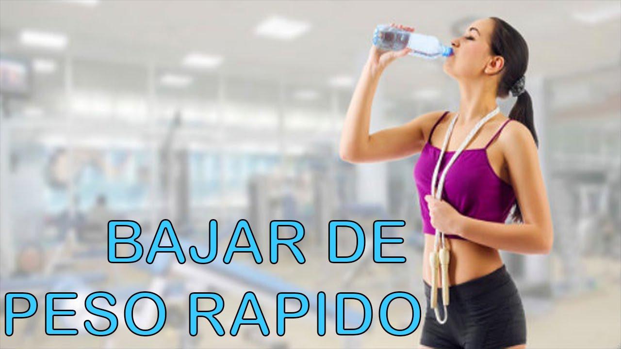 Como bajar de peso tomando agua natural