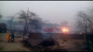 Baixar Village Dhandholi thesil dudu district Jaipur me aag lagi