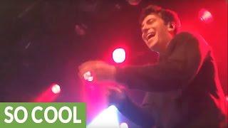 Rapper tosses mic into crowd, random guy crushes his lyrics Mp3