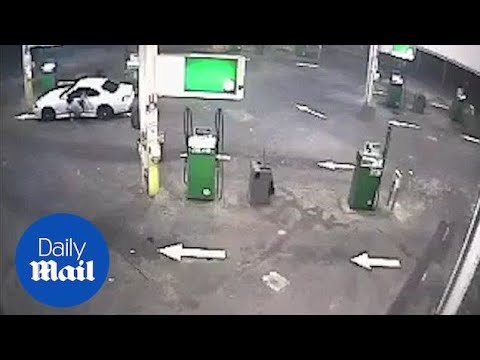 CCTV footage of attempted car theft in Northern Territory - Daily Mail