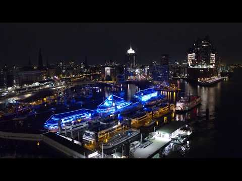 Hamburg von oben bei Nacht in 4K / Hamburg at Night Aerials 4K