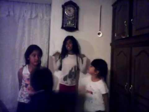 Jugando con mis primas y hermana
