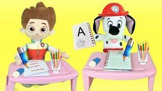 Aprende las palabras con juguetes de Paw patrol y los bebés. Videos para niños en español