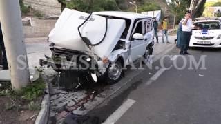 Խոշոր ավտովթար Երևանում  Niva ն բախվել է Hunday ին և Mercedes ին իսկ վերջում էլ էլեկտրասյանը