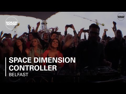 SDC playing a trance classic in Belfast  - Boiler Room Moments