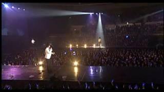 "Super Show concert DVD - ELF singing ""Marry U"" to SuJu"