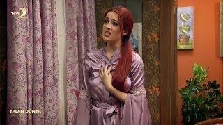 İrem Sak in lilac satin robe