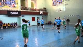 Гандбол Днепродзержинска. Игра между командами из городов Днепродзержинска и Томаковки.