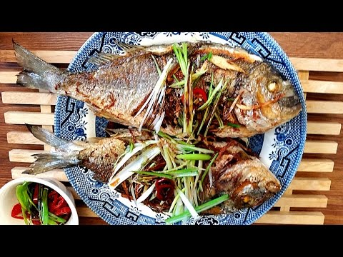 Pan Fried Sea Bream With Ginger & Green Onion | Chinese Pan Fried Fish 煎魚 - JosephineRecipes.co.uk