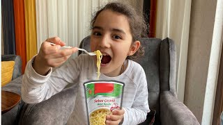 Hafsa and Saliha - stories for kids about harmful sweets and candies