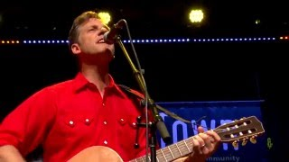 Calexico - Falling From The Sky (eTown webisode #915)
