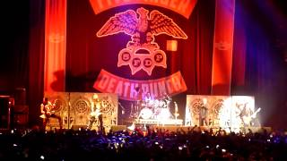 Repeat youtube video Five Finger Death Punch - Lift Me Up Feat. Rob Halford - Birmingham LG Arena - 05/12/13