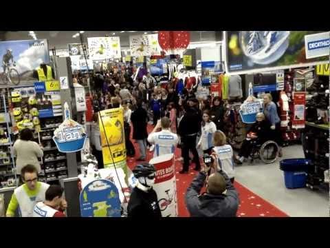 flashmob Décathlon pontarlier 24/11/12 1er anniversaire du magasin