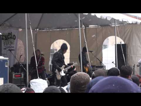 Switchfoot - Dark Horses - Radio 104.5 WinterJam 2014