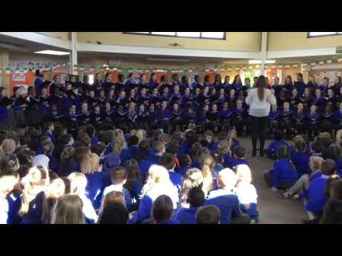 Trasna na dTonnta - Senior Girls Choir