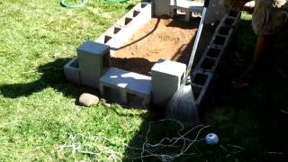 DIY Backyard bbq brick pit. Stage 1