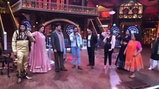 Kapil Sharma Show me Dinesh lal aur Khesari lal yadav dono ne gaya Gori Tor Chunari Ba Lal Lal Re