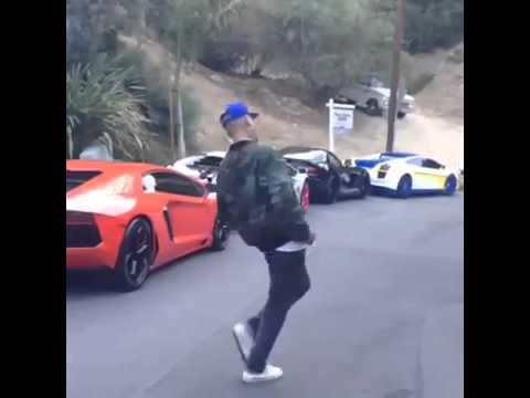 Chris Brown can't choose a car to drive.