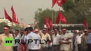 India: Delhi rings to the sound of trade union march