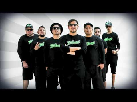 Los Fumancheros - Yo quiero bailar ft. El Pelón del Mikrophone (Video Lyric)
