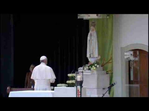 el papa en fatima fue un obispo vestido de blanco que pidio derribar muros