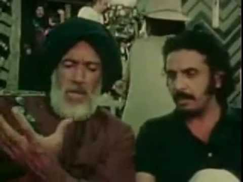 Anthony Quinn talking to Muhammad Alsanousi  on the set of The Message