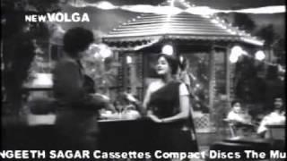 Thoorpu Sindhoorapu song Manushulu Maarali