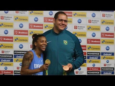 Rafael Silva fala sobre conquista do bronze 'no quintal de casa'