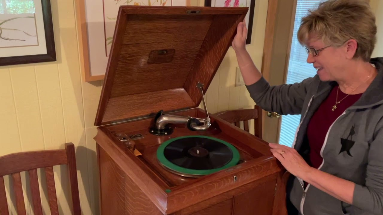Mr. Hubbell and the Mountain Victrola