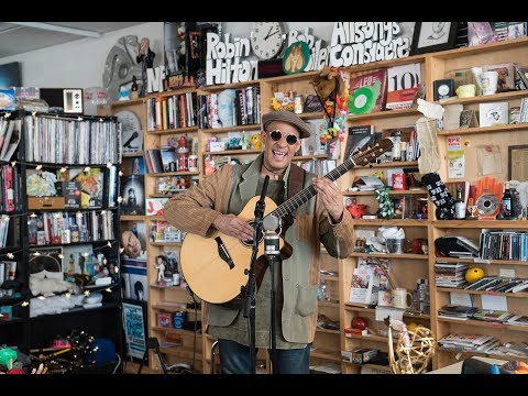 Raul Midón: NPR Music Tiny Desk Concert