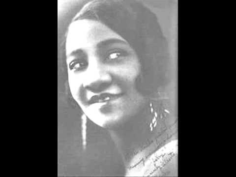Alberta Hunter - You Can't Tell The Difference After Dark