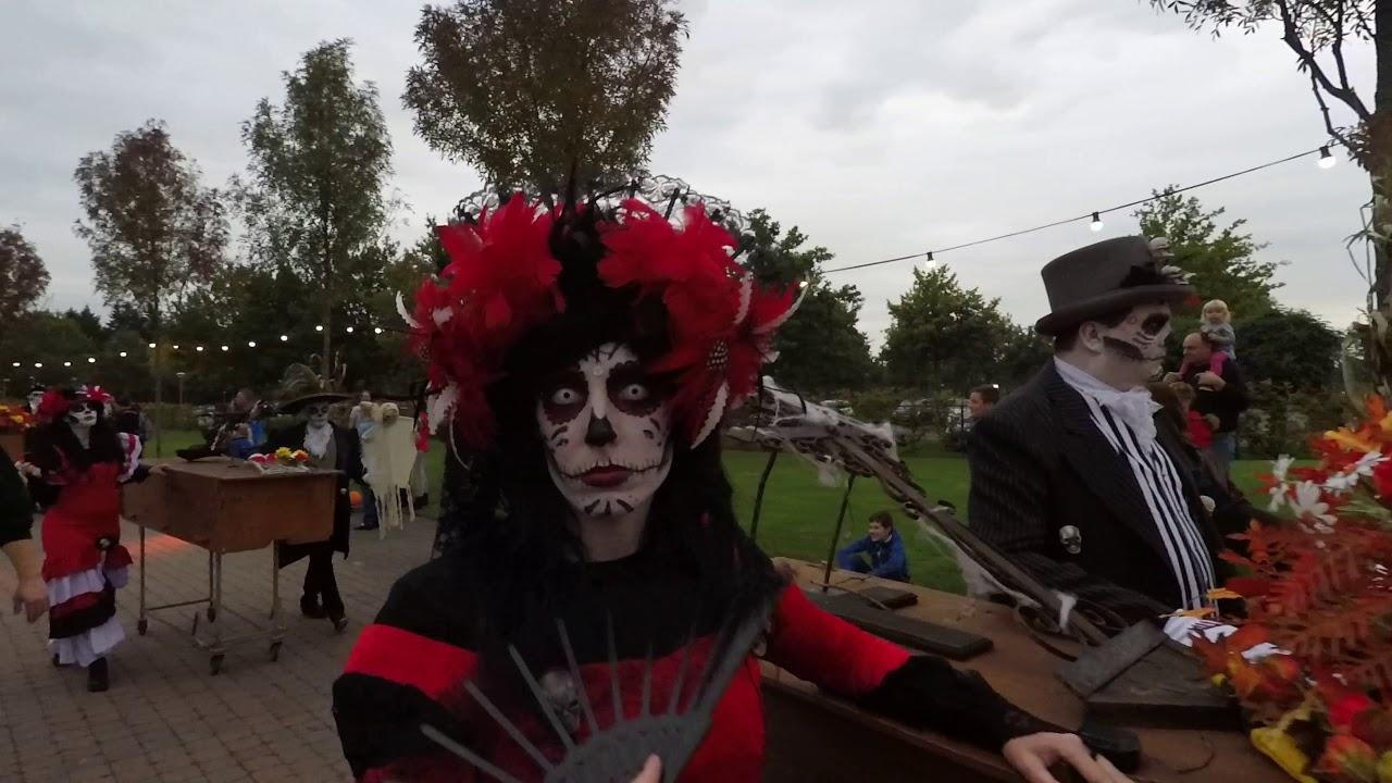 Halloween Toverland 2019.Toverland Halloween Parade 2017
