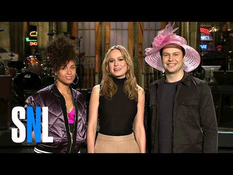 Taran Shows Brie Larson & Alicia Keys His Derby Hat - SNL