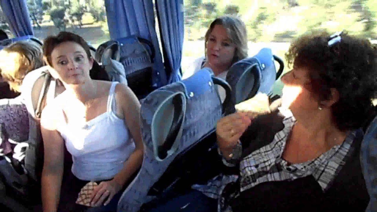 jeune echangiste baise dans le bus