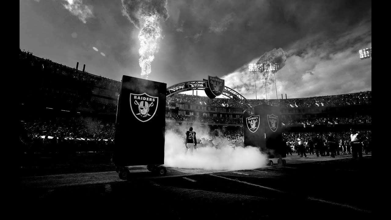 Oakland raiders 2015 highlights greatness awaits hd youtube oakland raiders 2015 highlights greatness awaits hd voltagebd Choice Image