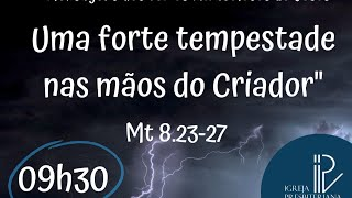 Uma forte tempestade nas mãos do Criador