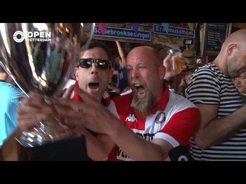 Feyenoord kampioen - Tranen van vreugde in Café 't Halve Maatje